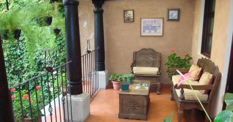 2nd flr balcony sized